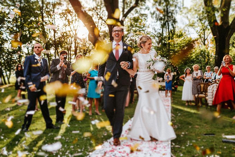 Kolorowe konfetti ślubne