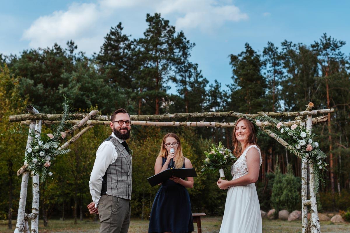 Ołtarz ślubny w Uroczysku Zaborek - ślub humanistyczny